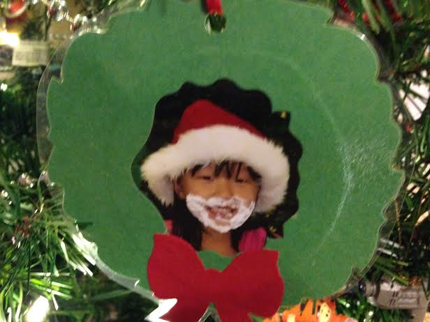 christmas wreath picture frame ornament