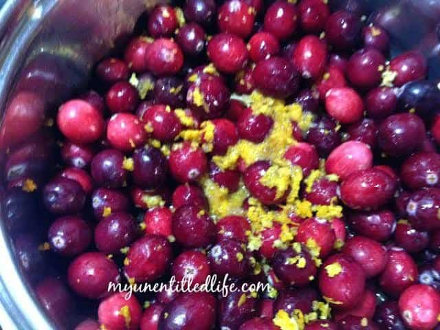 cranberry sauce cooking.