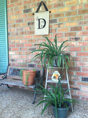 my fun porch redo with yard sale finds