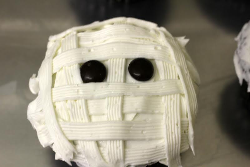 mickey mummy cupcakes 3