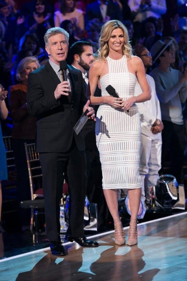 dancing with the stars hosts are