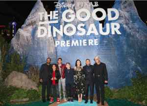 Stomping around at the Good Dinosaur Red Carpet Premiere #ad #gooddinoevent #abctvevent